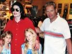 Những bí mật cuối đời của Michael Jackson được hé lộ