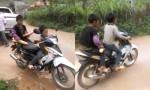 [VIDEO] Hai đứa trẻ chạy xe máy đi mua bánh mỳ