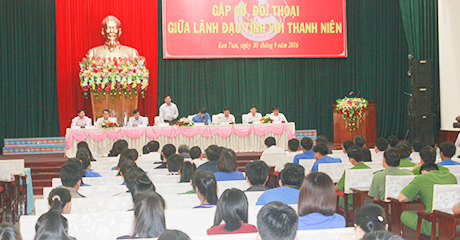 Hằng năm, Bộ trưởng, Chủ tịch tỉnh đối thoại với thanh niên
