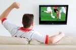 Làm gì để giữ sức khỏe khi thức đêm xem World Cup