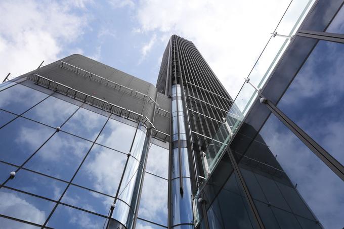 Công trường trên đỉnh tòa nhà cao nhất Việt Nam 171123baoxaydung_image003