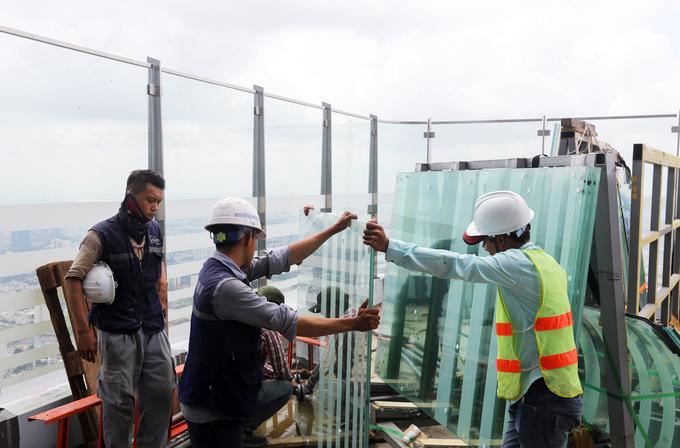 Công trường trên đỉnh tòa nhà cao nhất Việt Nam 171126baoxaydung_image008