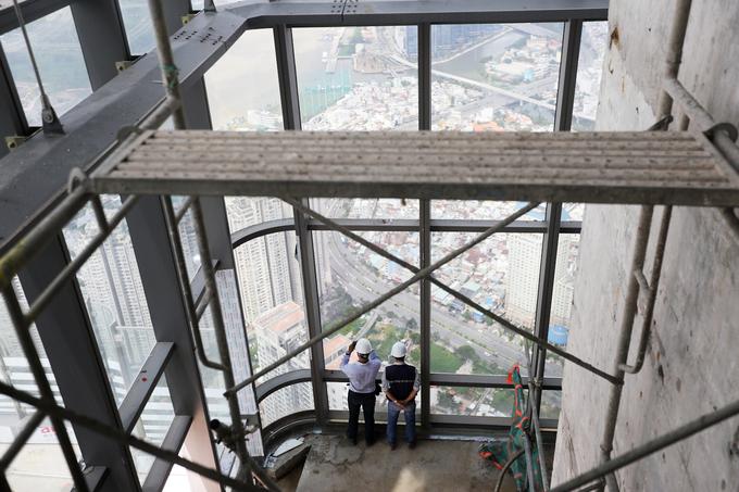 Công trường trên đỉnh tòa nhà cao nhất Việt Nam 171126baoxaydung_image009