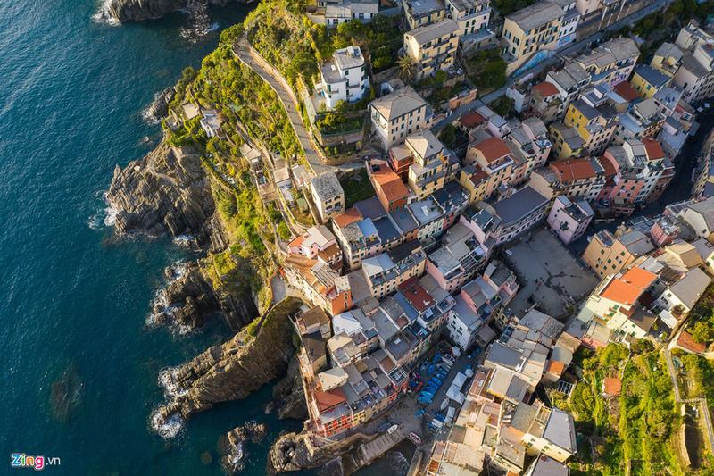 Quần thể làng ven biển tuyệt diệu ở Italy