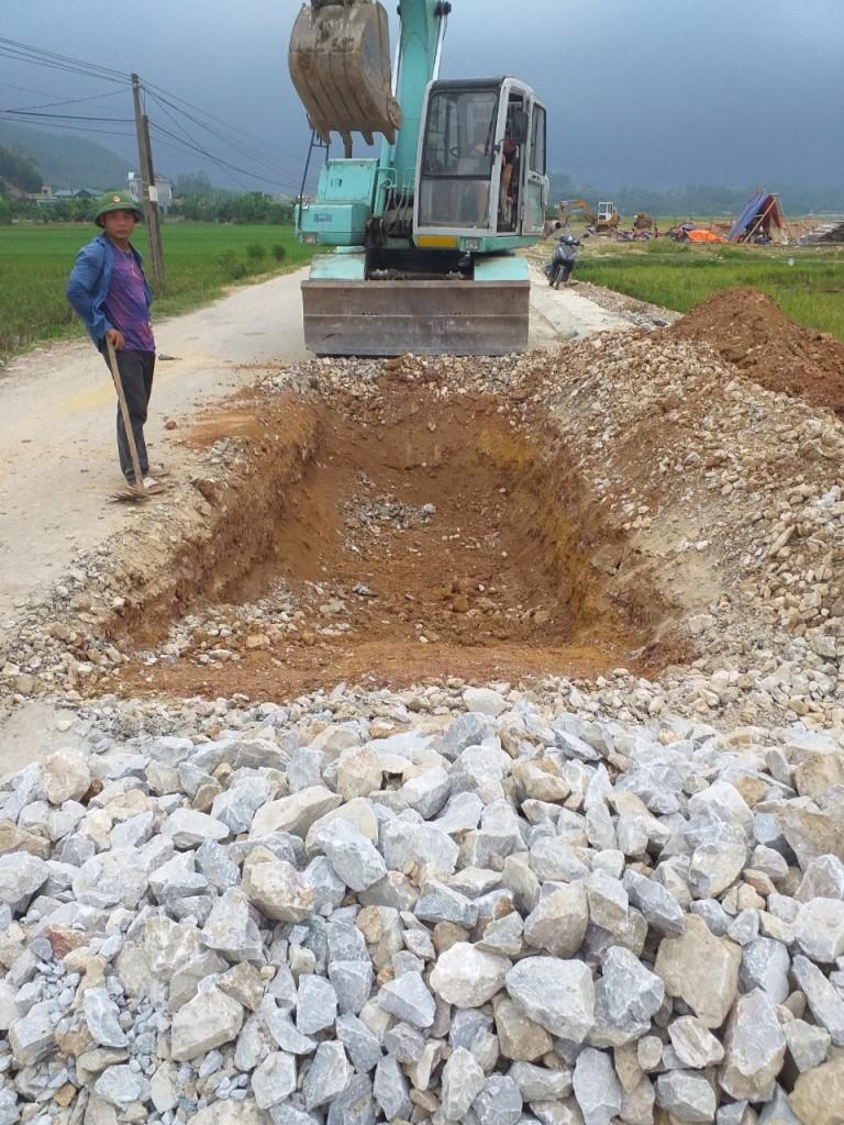 Thanh Hóa: Tuyến đường Hà Lai đi Hà Thái đang được khẩn trương khắc phục, sửa chữa những đoạn hư hỏng