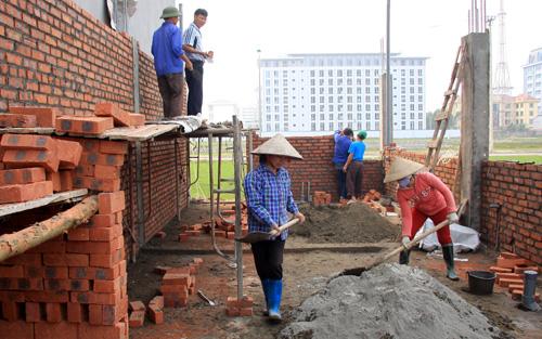 Hộ gia đình xây nhà có phải nộp thuế xây dựng?