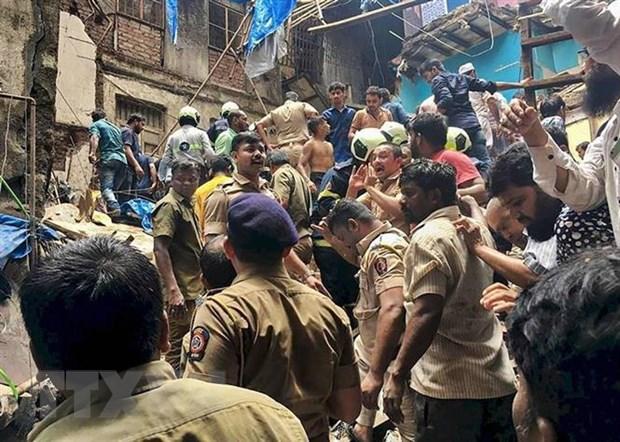 Ấn Độ: Sập nhà tại Mumbai làm ít nhất 50 người bị mắc kẹt