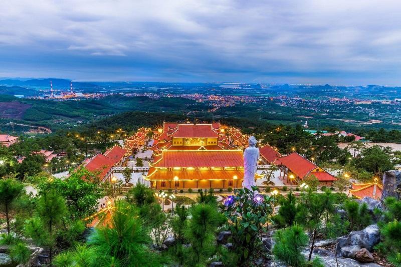 """Quảng Ninh: Nguy cơ """"tuột tay"""" một quần thể văn hóa du lịch tâm linh lớn"""