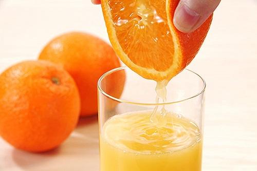 Những người đại kỵ tuyệt đối không được uống nước cam