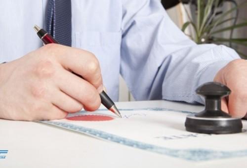 Trường hợp nào nhà thầu có quyền chấm dứt hợp đồng?