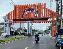 Tranh cãi xung quanh TP Long Xuyên xây cổng chào gần 7 tỷ đồng