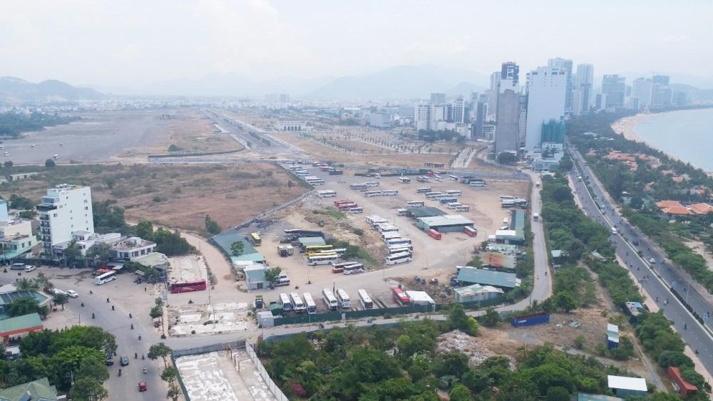 Thành lập tổ giúp việc cho UBND tỉnh Khánh Hòa thực hiện đấu giá quyền sử dụng đất tại khu vực sân bay Nha Trang