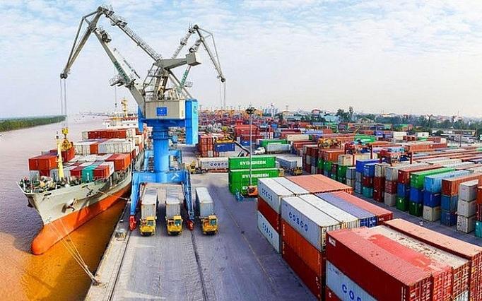 Tổng trị giá xuất nhập khẩu hàng hóa 6 tháng đầu năm ước đạt 238,4 tỷ USD