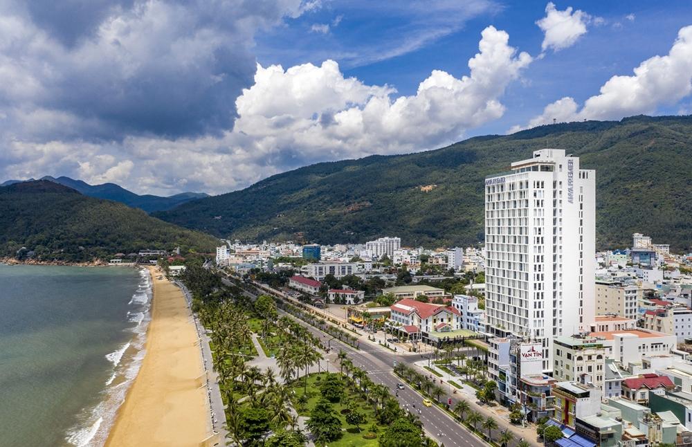 Khai trương khách sạn tiêu chuẩn 5 sao quốc tế đầu tiên tại Bình Định
