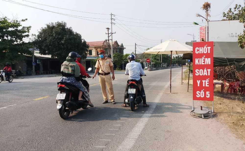 Chỉ cho phép người và phương tiện từ thành phố Đà Nẵng đến Huế với lý do công vụ