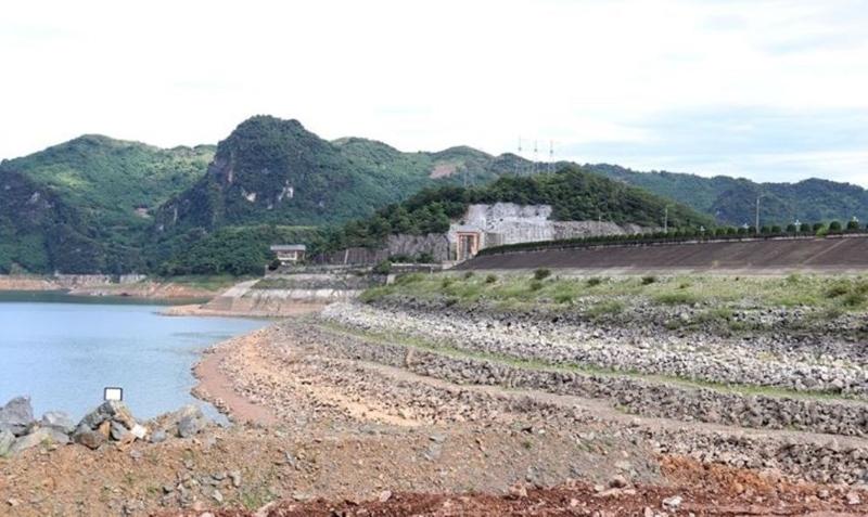 Mức nước nhiều hồ thủy điện phía Bắc xuống thấp ảnh hưởng đến việc cung cấp điện