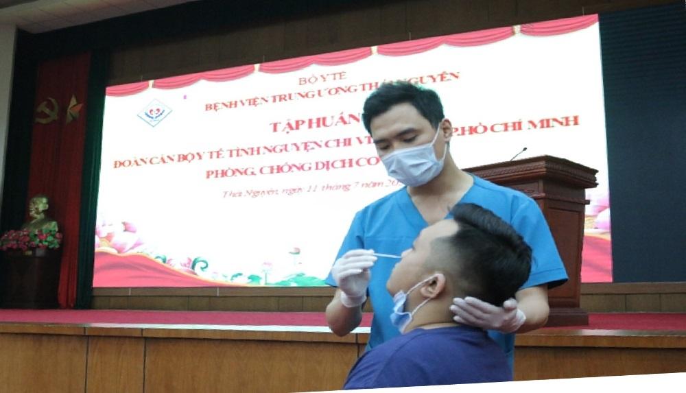 78 cán bộ y tế Bệnh viện Trung ương Thái Nguyên tình nguyện chi viện cho Thành phố Hồ Chí Minh phòng, chống dịch Covid-19