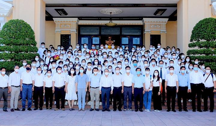 Thừa Thiên - Huế: Cử đoàn bác sĩ, nhân viên y tế vào Thành phố Hồ Chí Minh và Đồng Tháp hỗ trợ phòng, chống dịch