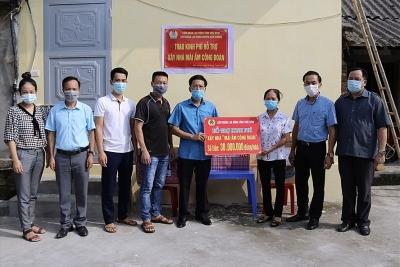 LĐLĐ Kiến Xương, Thái Bình trao 60 triệu đồng hỗ trợ đoàn viên xây nhà
