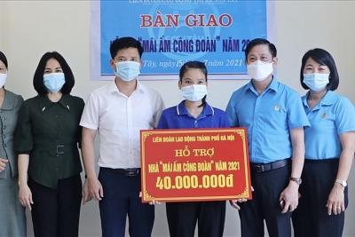 Bàn giao Mái ấm Công đoàn cho đoàn viên Trường Mầm non Kim Sơn