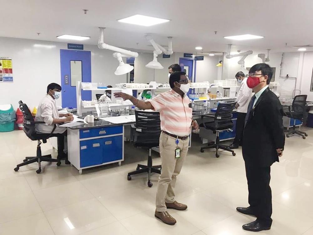 Ấn Độ sẵn sàng phối hợp với Việt Nam thử nghiệm và sản xuất vắc-xin điều trị Covid-19