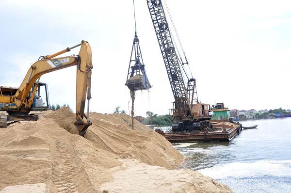 Xuất khẩu cát nhiễm mặn