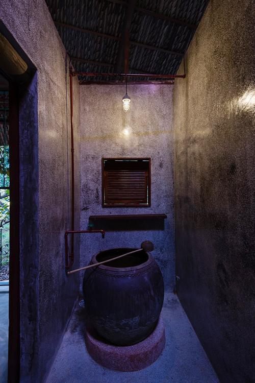094110baoxaydung image011 Chàng giám đốc Sài Gòn kỳ công xây nhà lá ở miền Tây