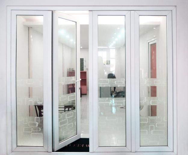 cách phân biệt cửa nhôm kính cao cấp và cửa nhôm kính thường