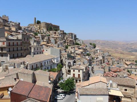 Bên trong những ngôi nhà giá 1 USD ở Italy