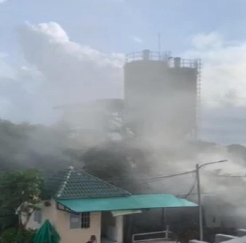 Phú Quốc: Người dân than khổ bởi khói bụi từ trạm bê tông Thế Giới Nhà