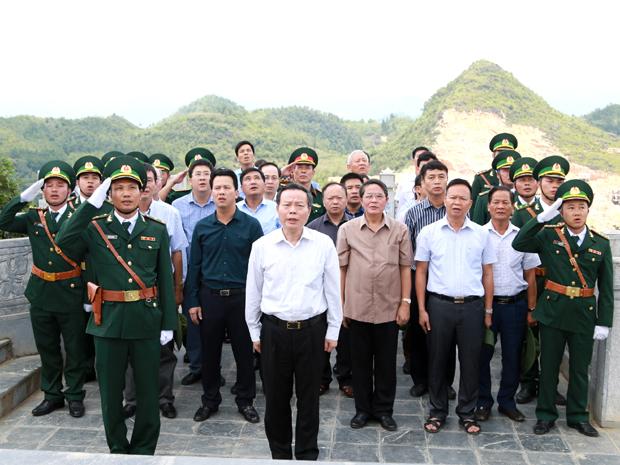 Đoàn công tác của Quốc hội thăm, làm việc tại Cao nguyên đá Đồng Văn