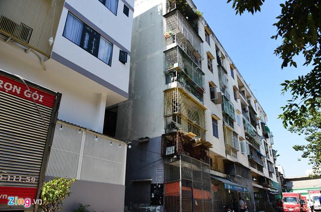 Đề nghị phá dỡ khẩn cấp chung cư nghiêng nửa mét ở Sài Gòn