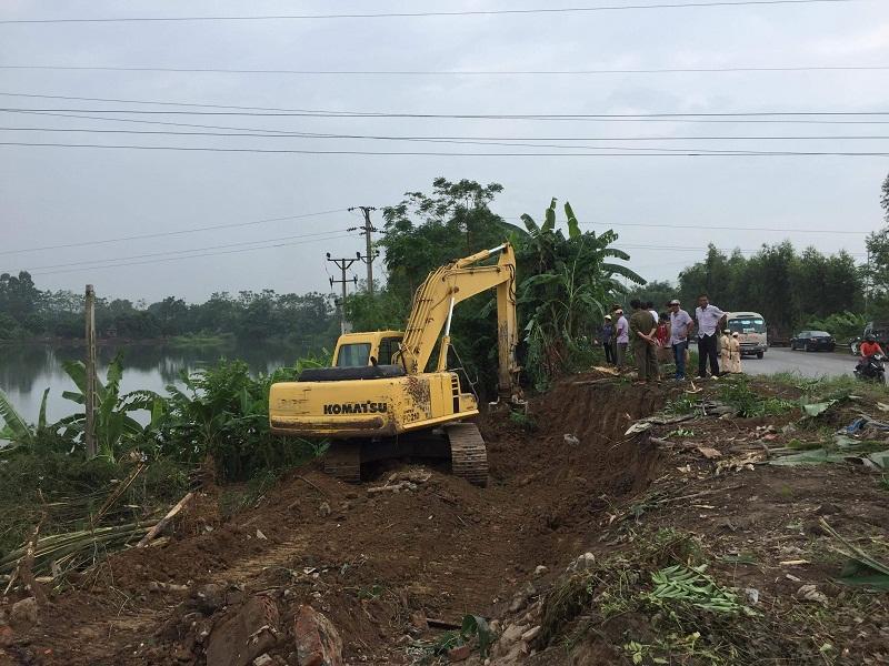 Vĩnh Tường (Vĩnh Phúc): Ra quân xử lý vi phạm hành lang an toàn giao thông