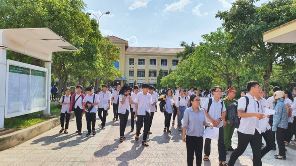 quang binh hon 10000 thi sinh tham gia ky thi tot nghiep thpt nam 2020