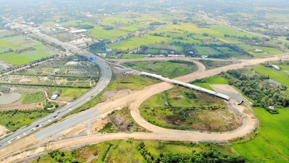 Năm 2021 hoàn thành tuyến cao tốc Trung Lương - Mỹ Thuận