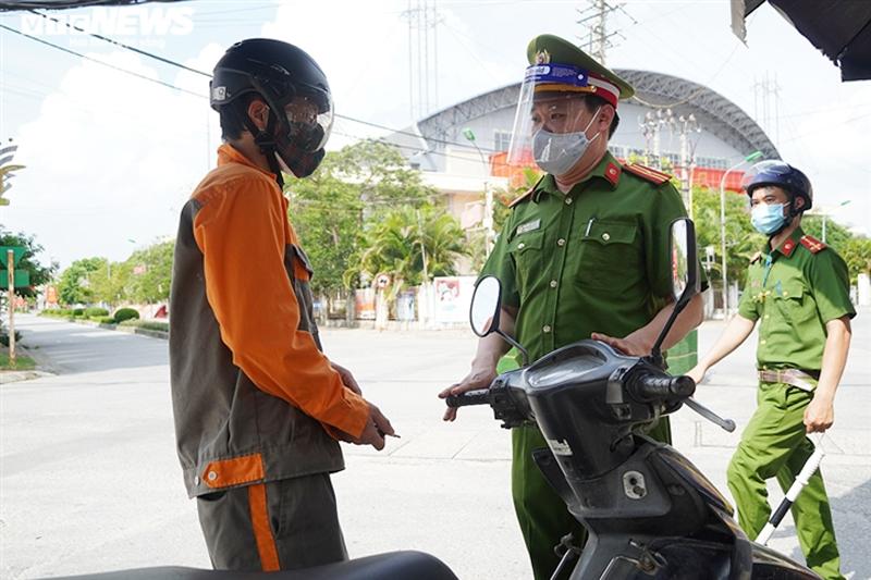 Hà Nội xử phạt 900 trường hợp vi phạm phòng, chống dịch