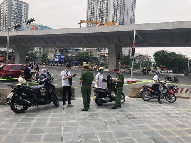 Một ngày, Hà Nội phạt hơn 800 trường hợp vi phạm phòng chống dịch