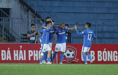 Cầu thủ tiếp tục đòi nợ, dọa kiện câu lạc bộ Than Quảng Ninh