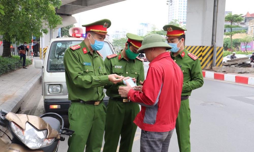 Hà Nội: Xử phạt gần 1.200 trường hợp vi phạm phòng, chống dịch trong ngày 30/8