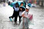 Học sinh Hà Nội có thể nghỉ học tránh bão