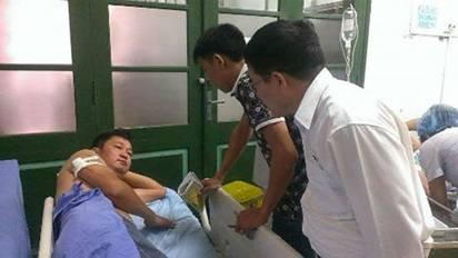 Báo Xây dựng thăm và động viên nhà báo bị truy sát tại Thái Nguyên