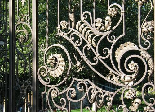 220219baoxaydung image002 Những món phụ kiện sắt nghệ thuật trong trang trí nội ngoại thất
