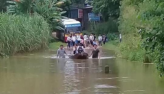 Tuyên Quang: Cứ mưa lớn là một số xã bị chia cắt do các cây cầu xuống cấp nghiêm trọng
