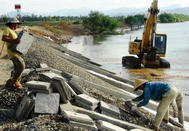 Quảng Bình: Chi 20 tỷ đồng sửa chữa, nâng cấp tuyến kè xung yếu trên sông Nhật Lệ