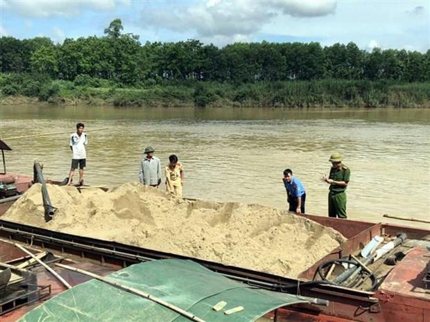 Sáu trường hợp khai thác cát trái phép bị phạt gần 700 triệu đồng