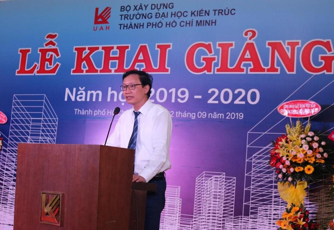 Trường Đại học Kiến trúc TP Hồ Chí Minh: Tưng bừng ngày khai giảng