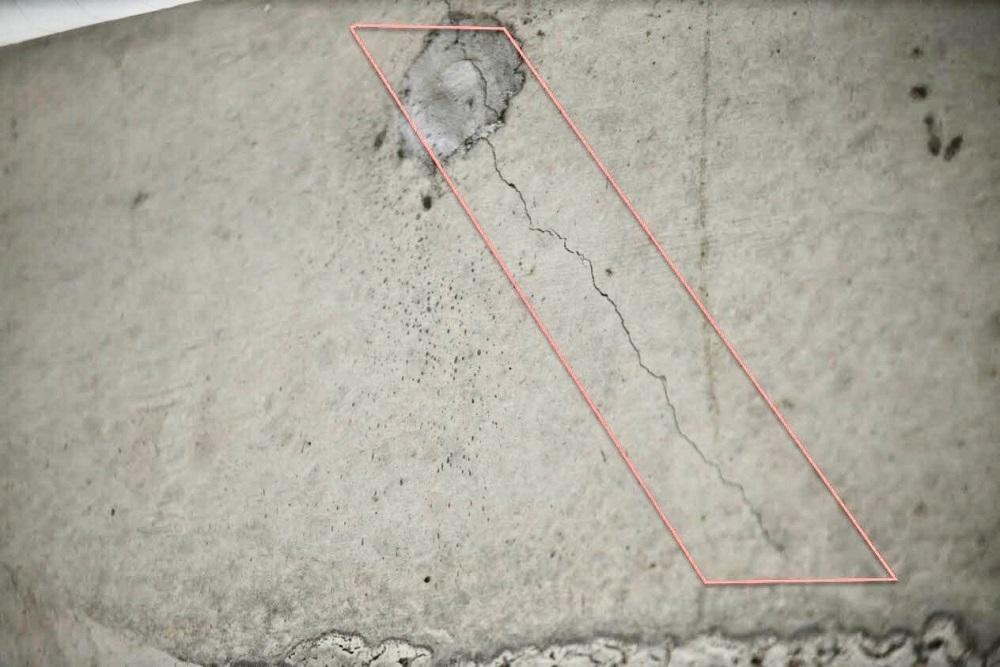 Đề nghị dừng phá dỡ, kiểm tra các vết nứt nguy hiểm tại công trình 8B Lê Trực