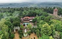 Ngôi chùa 300 năm tuổi trên đỉnh Thiên Ấn