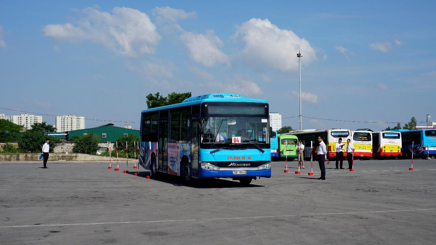 Hà Nội sẽ bố trí thêm hàng nghìn điểm dừng xe buýt