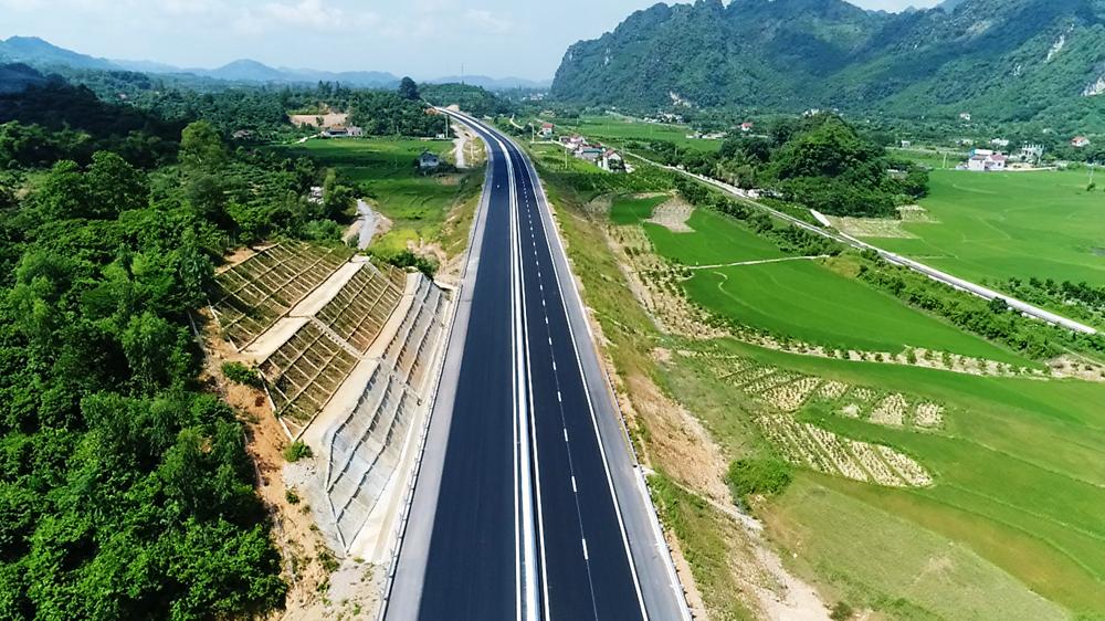 """Đấu thầu dự án cao tốc Bắc - Nam phía Đông: Nhiều tiêu chí """"gây khó"""" cho nhà thầu?"""
